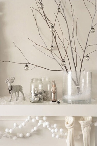 104_GUEST-POST_JULIE-THIGPEN_WHITE-CHRISTMAS-DECOR